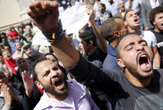 التطبيع مع العنف وموت السياسة في العالم العربي