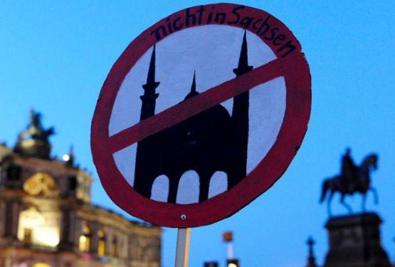 أكذوبة أسلمة أوروبا وأسطورة عدم تعلمُن المسلمين